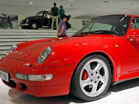 Löwenzahnmilch hinterlässt unschöne Flecken auch auf Porsche-Lack.