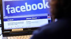 Hundertprozentige Sicherheit vor Abmahnungen gibt es bei Facebook nicht. Man kann das Risiko aber gering halten.