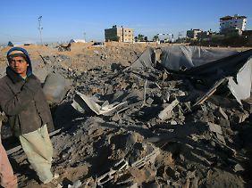 Israelische Kampfjets zerstören regelmäßig die Schmugglertunnel zwischen dem Gazastreifen und Ägypten.