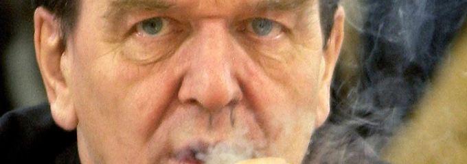 """Gerhard Schröder wollte """"fordern und fördern""""."""