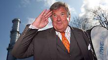 Der Kapitän geht von Bord: Auf seiner letzten Rede auf der Hauptversammlung hat der scheidende RWE-Chef Jürgen Großmann den Atomausstieg scharf angegriffen.