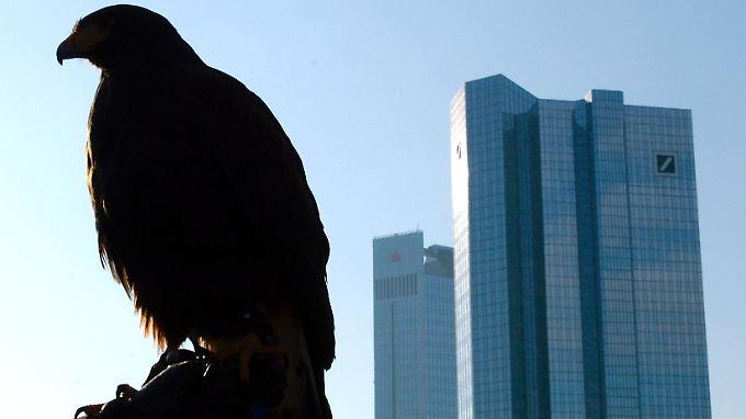 Nach der US-Regierung und zahlreichen anderen Banken zieht nun auch die BayernLB mit Betrugsvorwürfen gegen die Deutsche Bank vor Gericht.