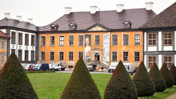 Die Spannung steigt. In zwei Tagen wandelt Königin Beatrix in Oranienbaum auf den Spuren ihrer Ahnen.
