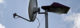 Ab 30. April 2012 ist Schluss mit dem analogen Satellitenempfang. Foto: Arno Burgi