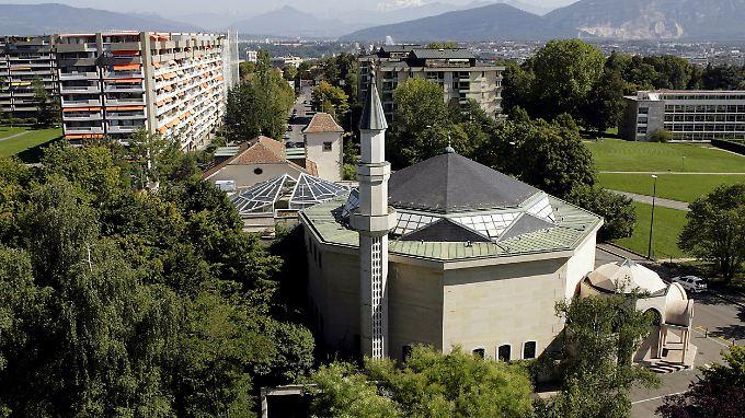 Minarett an der Moschee von Petit-Saconnex in Genf.