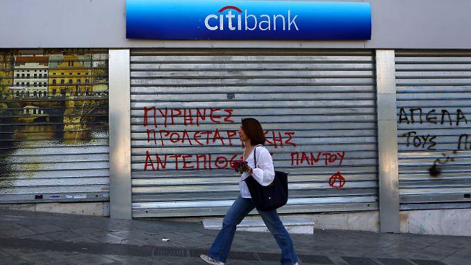 In Griechenland geht die Angst vor einem Bankensturm um.