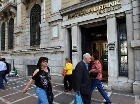 Die National Bank of Greece warnt vor Risiken und Nebenwirkungen eines Euro-Austritts.