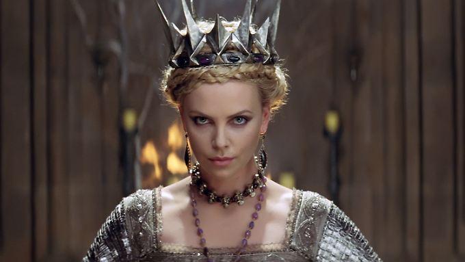 So schön, so böse: Charlize Theron als Königin.