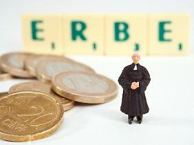 Nach deutschem Recht ist der Erbe nicht verpflichtet, sein Erbrecht ausschließlich durch einen Erbschein nachzuweisen