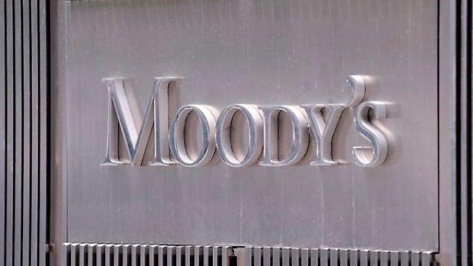 Die Ratingagentur Moody's hat Spanien Kreditwürdigkeit gesenkt.