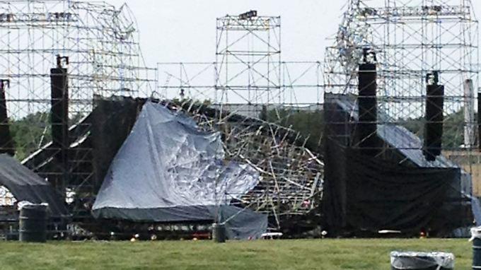 Kaum auszumalen, was geschähen wäre, wäre die Bühne nur wenig später zusammengebrochen.