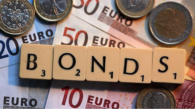 """Um Berlins Blockade zu durchbrechen, will die EU-Kommission offenbar """"Eurobonds light"""" vorschlagen, mit denen die Haftung Deutschlands für die Schulden anderer Länder begrenzt werden soll."""