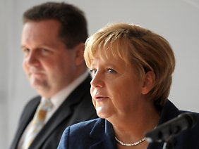 """He can kill Angela with his troops"": Mappus und Merkel."