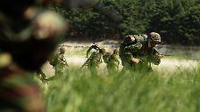 Raketen, Kampfjets und ein Flugzeugträger: Südkorea probt den Ernstfall