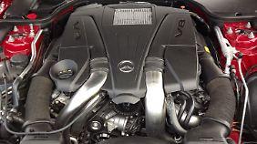 Befeuert wird der SL 500 von einem V8-Triebwerk mit 435 PS.