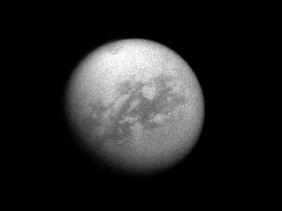 """""""Kraken Mare"""": Ein See ist auf diesem Bild des Saturnmonds Titan sichtbar."""