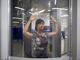 In manchen Flughäfen sind Nacktscanner bereits Realität.