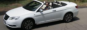 Der Lancia Flavia macht ob seiner üppigen Ausstattung und seiner beachtlichen Länge von 4,90 Metern auf der Straße einiges her.