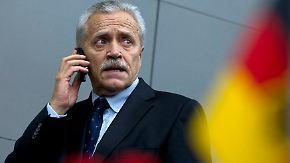 Pannen bei Ermittlungen gegen Neonazis: Verfassungsschutz-Präsident tritt zurück