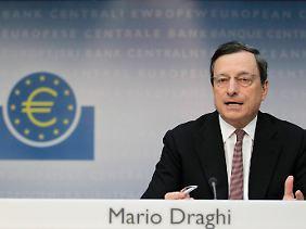 Erläuterungen vor der Presse: Mario Draghi spricht nach dem Zinsentscheid.