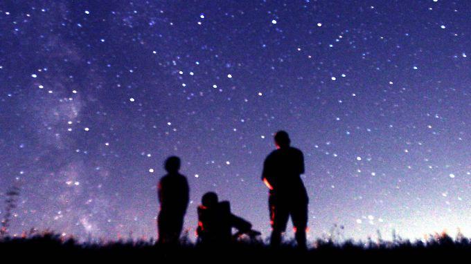 Ein Anblick wie dieser ist den meisten Deutschen nicht vergönnt. In Städten sind die Sterne kaum noch zu erkennen.