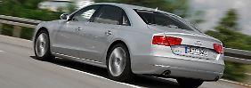 Deutsche Vorstände fahren gerne große Limousinen, zum Beispiel den A8 von Audi.
