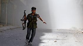 Syrische Rebellen unter Druck: Armee belagert Aleppo