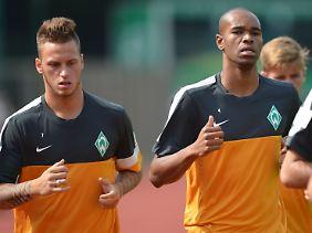 Preisfrage: Wer ist hier der Gockel? Naldo, rechts, ist es nicht. Deswegen spielt er auch nun beim VfL Wolfsburg.