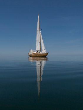 So ruhig geht es nicht immer zu auf dem Wasser. Wie aber benutzt man ein Blutzucker-Messgerät, wenn man nur eine Hand frei hat, weil man sich mit der anderen bei Sturm am Boot festhalten muss?