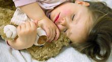 Mit drei Jahren lernen Kinder ständig neue Wörter. Schlaf hilft, um wichtige Informationen zu verarbeiten.