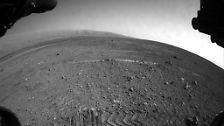 """Ein Berg, viel Staub und Faszination: """"Curiosity"""" knipst auf dem Mars"""