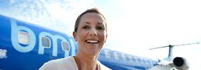 Bettina Wulff am Montag auf dem Flughafen von Hannover.