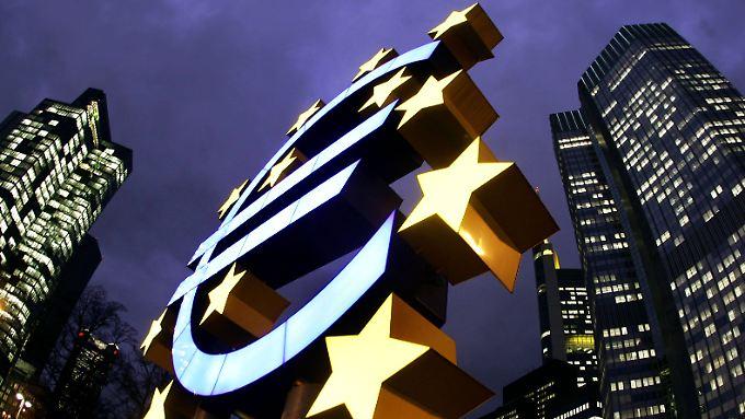 Die Piratenpartei Bayern kritisiert die geplanten Zusatzbestimmungen zum ESM, mit dem der Euro stabilisiert werden soll.