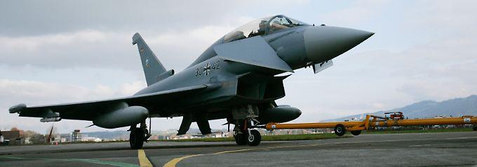 """Man kennt sich, unter anderem von der gemeinsamen Arbeit an Projekten wie dem Eurofighter """"Typhoon""""."""