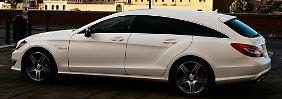 Das spitz zulaufende Heck lässt den Wagen deutlich länger erscheinen als die Limousine.