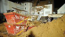 Fliegerbombe aus Zweitem Weltkrieg entschärft: Metertiefer Krater in Viersen