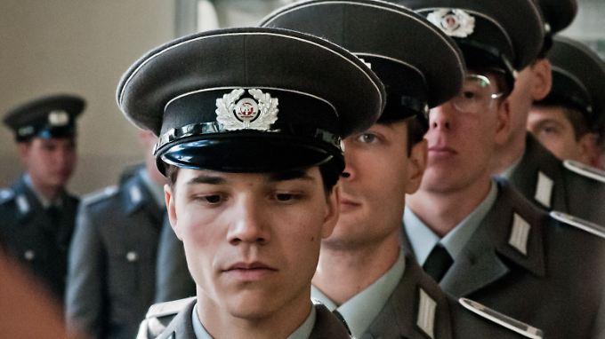 Sohn Christian erlebt beim Militär Drill und Menschenverachtung - und er trifft eine Entscheidung.