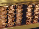 Der Börsen-Tag: Anleger suchen Sicherheit: Gold kurz bei 1300 Dollar