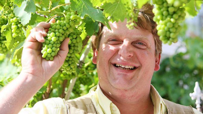 Hat sich die nächste Frucht gepflückt: Bauer Kurt.