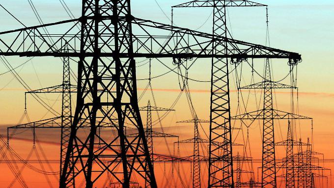 Auch wegen Investitionen in die Netze dürfte der Strompreise künftig weiter steigen.