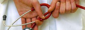 Wer nicht aufpasst, zahlt zuviel: Krankenzusatzversicherungen im Test