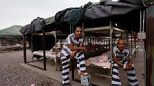 Überfüllte Knäste und rosa Socken: So leben Gefangene in den USA