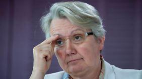 Video: Schavan wehrt sich gegen Plagiatsvorwurf