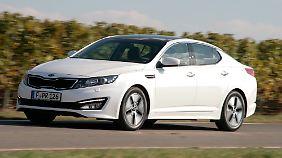 Mit 190 PS Systemleistung ist der Optima Hybrid klassengemäß motorisiert.