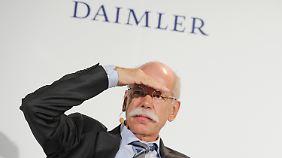 Zetsche tritt auf die Bremse: Daimler will noch mehr sparen