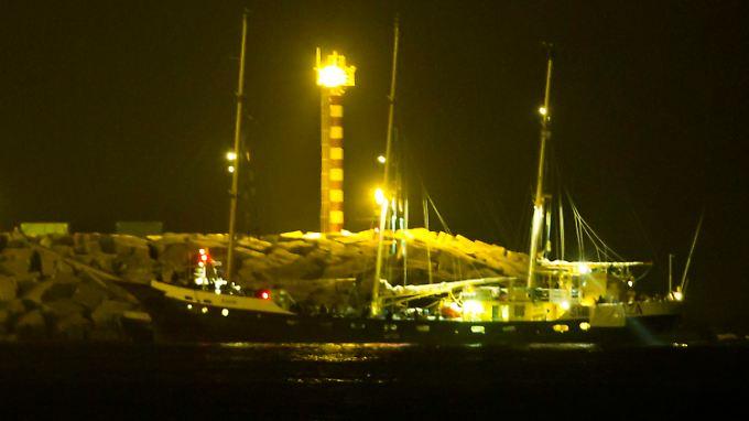 """Die """"Estelle"""" im Hafen von Aschdod."""