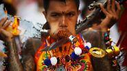 Blut für die Götter: Vegetarier-Fest in Thailand: Verstümmelt, vernarbt, vergeben