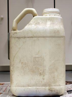 Mit diesem Kanister voll Atrazin wurde ein Anschlag auf die Trinkwasserversorgung aus dem Bodensee 2005 verübt.
