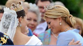 Unter Schwestern: Prinzessin Victoria heiratete 2010, bei Madeleine wird es wohl auch nicht mehr lange dauern.