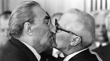"""BND gibt Akten frei: Honecker fuhr zu """"Orgien"""" nach Westberlin"""